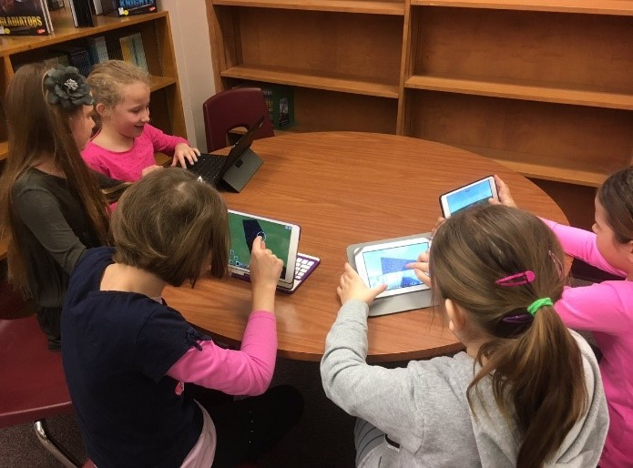 Students use tablets to code